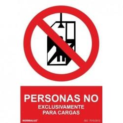 ADH PROHIBIDO PERSONAS,...
